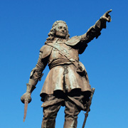 Statue of John Hampden in Aylesbury's Market Square